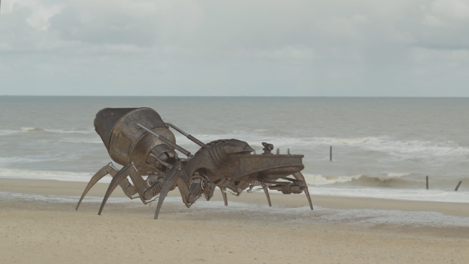 Giant Robot Invades Norfolk Beach!